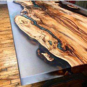 resine epoxy bois sur table